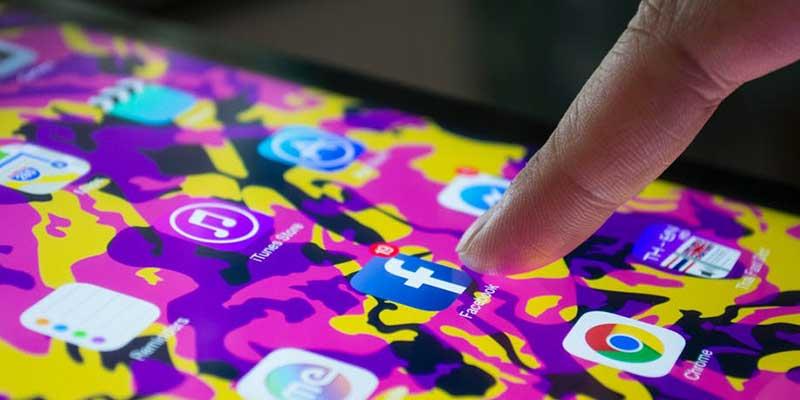 Fejsbuk - omiljena mreža generacije srednjih godina